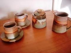Articulos de cerámica marrón