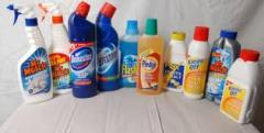 Productos de limpieza varios colores