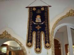 Costura de ropa de iglesia